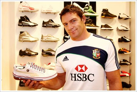 Lion rugby star David Wallace shops at PUMA store low res