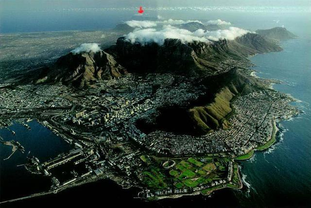 http://media.2oceansvibe.com/wp-content/uploads/2011/11/280fe__best-view-of-table-mountain.jpg