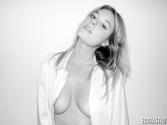 camille-rowe-topless-terry-richardson-shoot-07-580×435