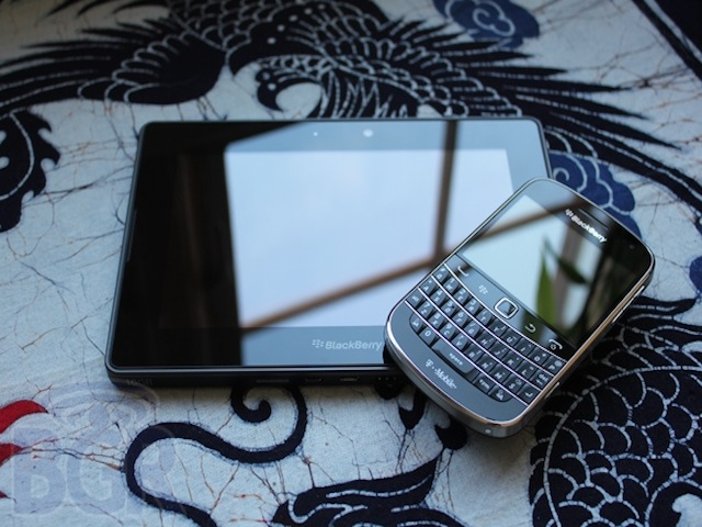 blackberry-bold-9900-playbook