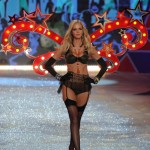 the-beginning-part-of-the-show-had-a-circus-theme-compete-with-acrobats-and-a-sword-swallower-heres-erin-heatherton-with-light-up-wings