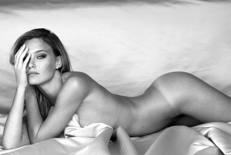 camille-rowe-topless-terry-richardson-shoot-04-580×435
