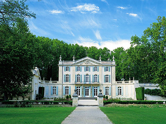 Luxury-Chateau-in-France-near-Carpentras-Chateau-de-Provence-with-Farmhouse-132427