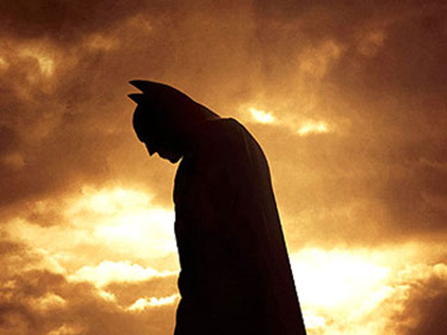 lead_batman_begins_0509091139_wideweb__375x500
