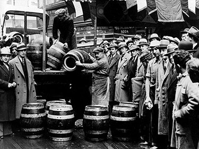 FE_DA_1212dd05ProhibitionKegs425x283