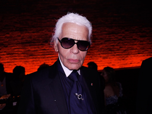 chanel-dinner-01-Karl_104538749340.jpg_carousel_parties