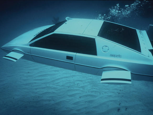james-bond-lotus-esprit-submarine-2