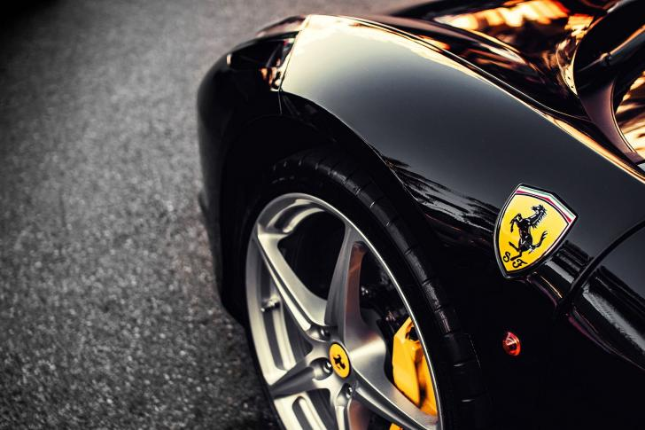 Ferrari-Badge-485x728