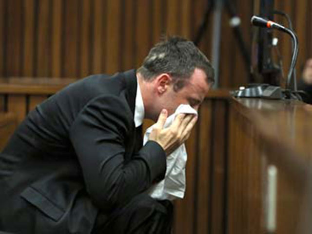 Oscar_Pistorius_crying_AFP_360