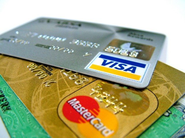 credit-cards-640x480