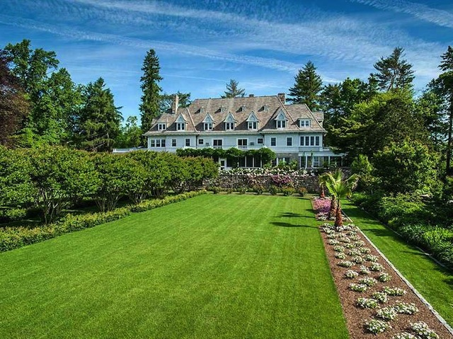 timber-magnate-john-rudeys-former-120-million-50-acre-estate-is-known-as-copper-beach-farm