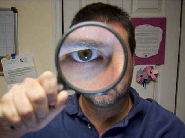 magnifying glass guy