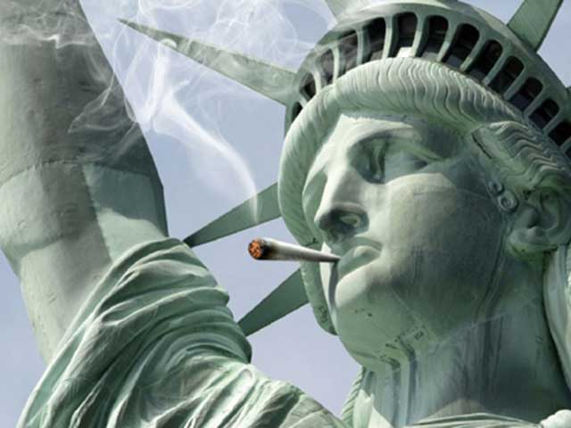 DC-US-Statue-Liberty-Smoking-Joint