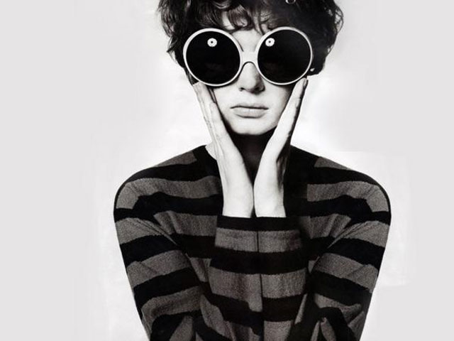 Dress-the-Part-Oversized-Round-Glasses-Complete-Your-Voguepedia