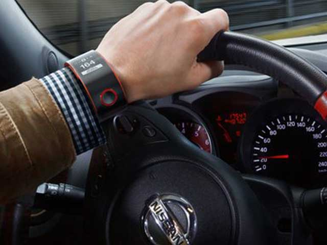 smartwatch driving