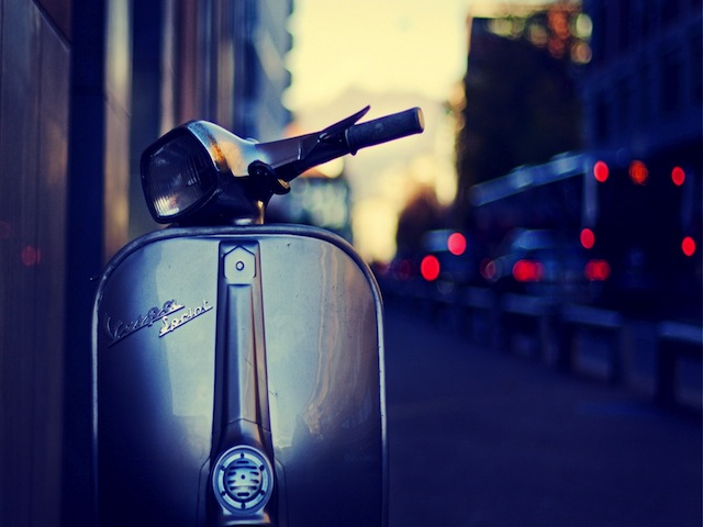 Vintage-Vespa-Scooter-HD-Wallpaper