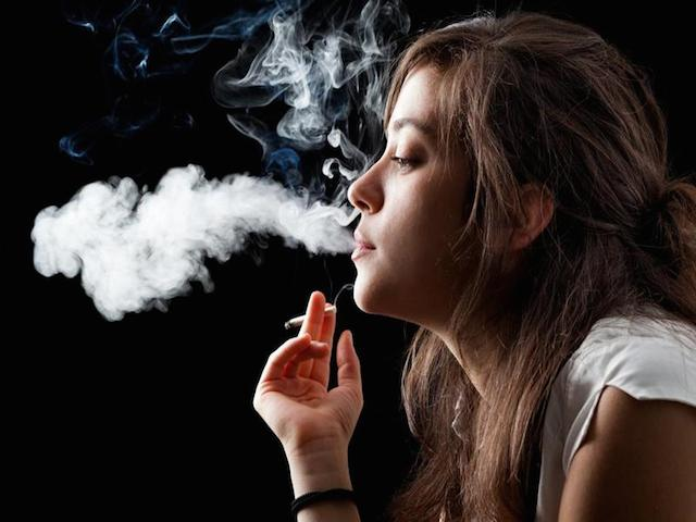 Young-female-smokers-at-higher-risk-of-most-common-type-of-breast-cancer