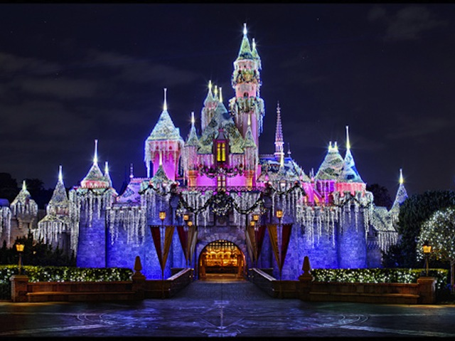 38464-Christmas-At-Disneyland