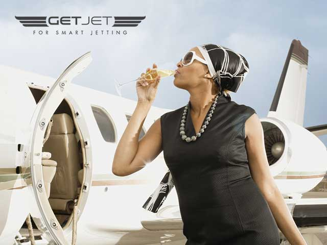 Get-Jet-lady-champagne2