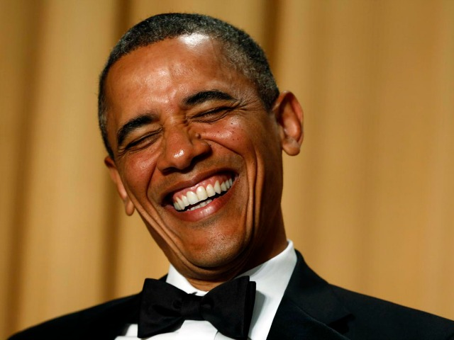 U.S. President Barack Obama laughs as comedian Conan O'Brien speaks during the White House Correspondents Association Dinner in Washington April 27, 2013.  REUTERS/Kevin Lamarque  (UNITED STATES - Tags: POLITICS ENTERTAINMENT PROFILE TPX IMAGES OF THE DAY) ORG XMIT: WAS222