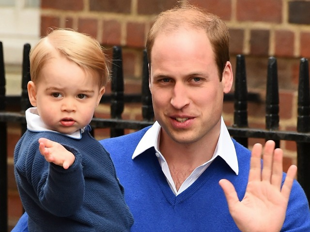 LONDON, ENGLAND - MAY 02:  Prince William, Duke of Cambridge arrives with his son Prince George to the Lindo Wing of St Mary's Hospital on May 2, 2015 in London, England.  (Photo by Ian Gavan/Getty Images)