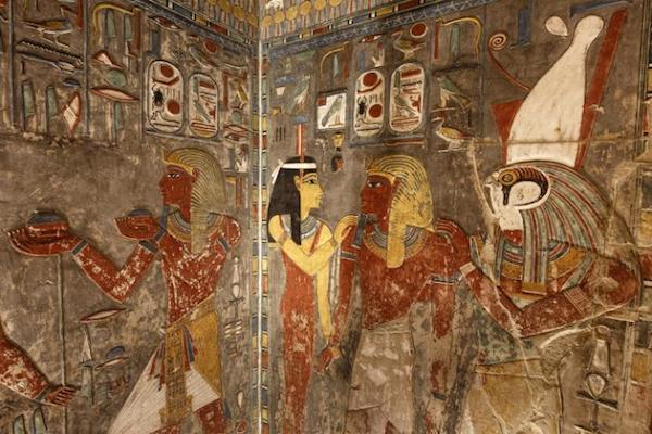 Art in the tomb area of Horemheb