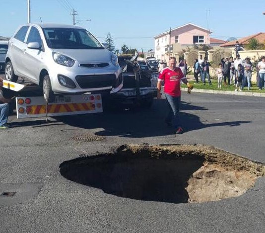 Cape-Town-Gordon-Road-Crawford-0