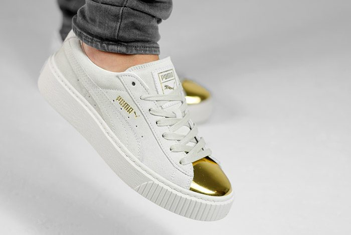 PUMA-SUEDE-PLATFORM-GOLD-WHITE-BLACK-WMNS-ON-FEET-9-700x468