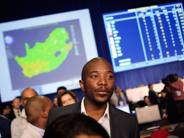 Democratic Alliance leader Mmusi Maimane looks on at the result center in Pretoria, South Africa August 4, 2016. REUTERS/Siphiwe Sibeko     TPX IMAGES OF THE DAY      - RTSL2VX