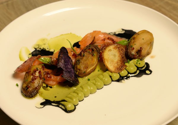 annemaries-second-course-cured-norwegian-salmon-with-avocado-and-basil-puree-600x421