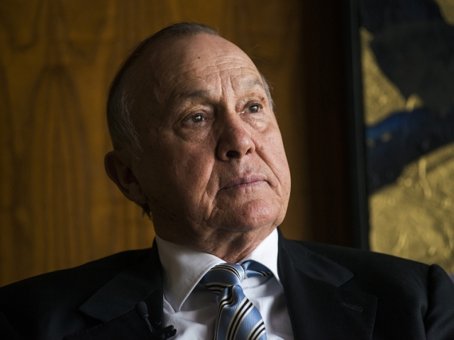 Christo wiese investments with high returns al dhabi investment ceo of apple