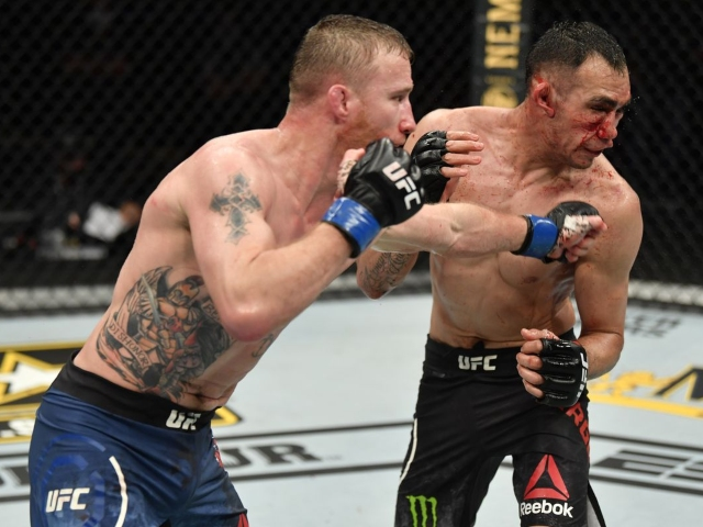Brutal Punch Ends UFC 249 Headline Fight [Video] � 2oceansvibe News | South African and international news - 2oceansvibe News