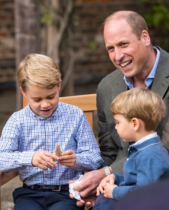 Prince George receives fossilized shark tooth from David Attenborough